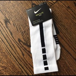 NIKE ELITE SOCKS MEN 8-12 WMN 10-13